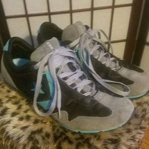 Retro Style Converse Sneaker Size 10 Women's